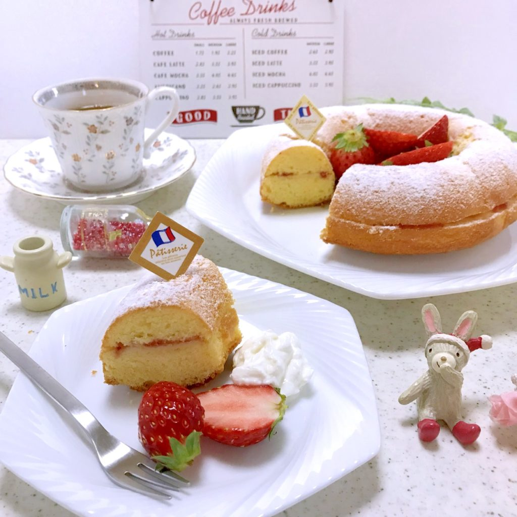 イチゴのリングケーキ