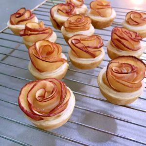 rose shape apple pie