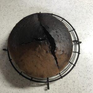 焦げたケーキ